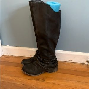 Shoes - Black riding boots